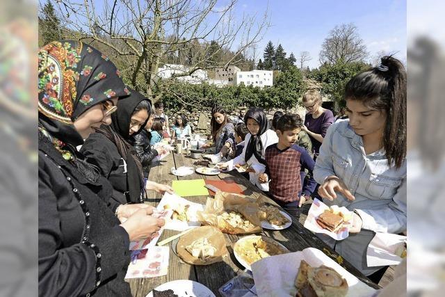 UWC-Schüler laden Flüchtlinge zu einem kleinen Tag der offenen Tür ein