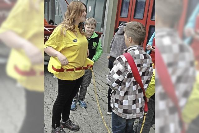 Hilfsorganisationen laden Jugend ein