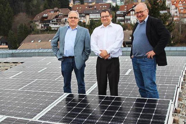 Neue Solaranlage bringt dem Kreisgymnasium Geld