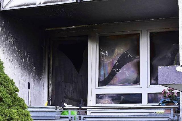 Kerzen lösten tödlichen Brand in Mehrfamilienhaus auf der Haid aus