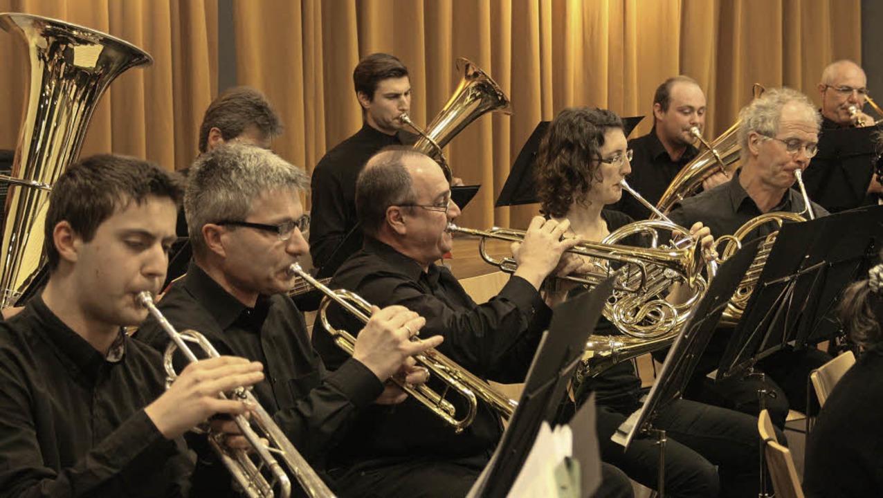 Zum Frühjahrskonzert lud der Musikvere...itung ihres Dirigenten Wilhelm Schmid.  | Foto: Hans Jürgen Kugler