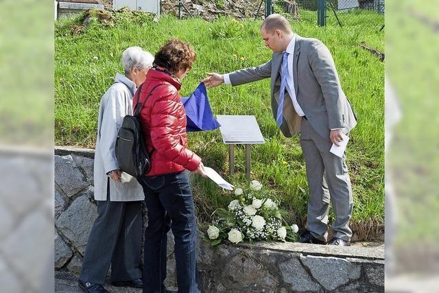 Neue Gedenktafel erinnert an sieben Wehrmachtsdeserteure