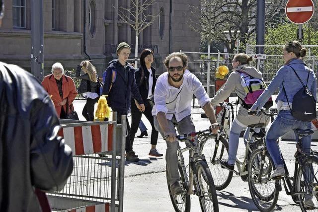 Neue Situation für Fußgänger und Radler am Rotteckring