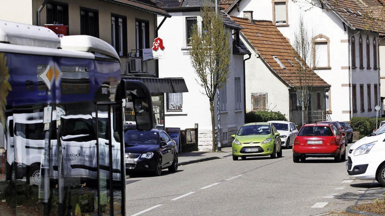 Durch Seelbach fahren täglich rund 8200 Fahrzeuge.     Foto: Heidi Fössel