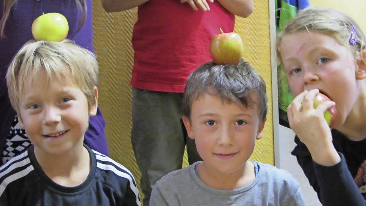 An den meisten Schulen erhalten die Sc... Äpfel, dank Landwirten, die spenden.   | Foto: privat