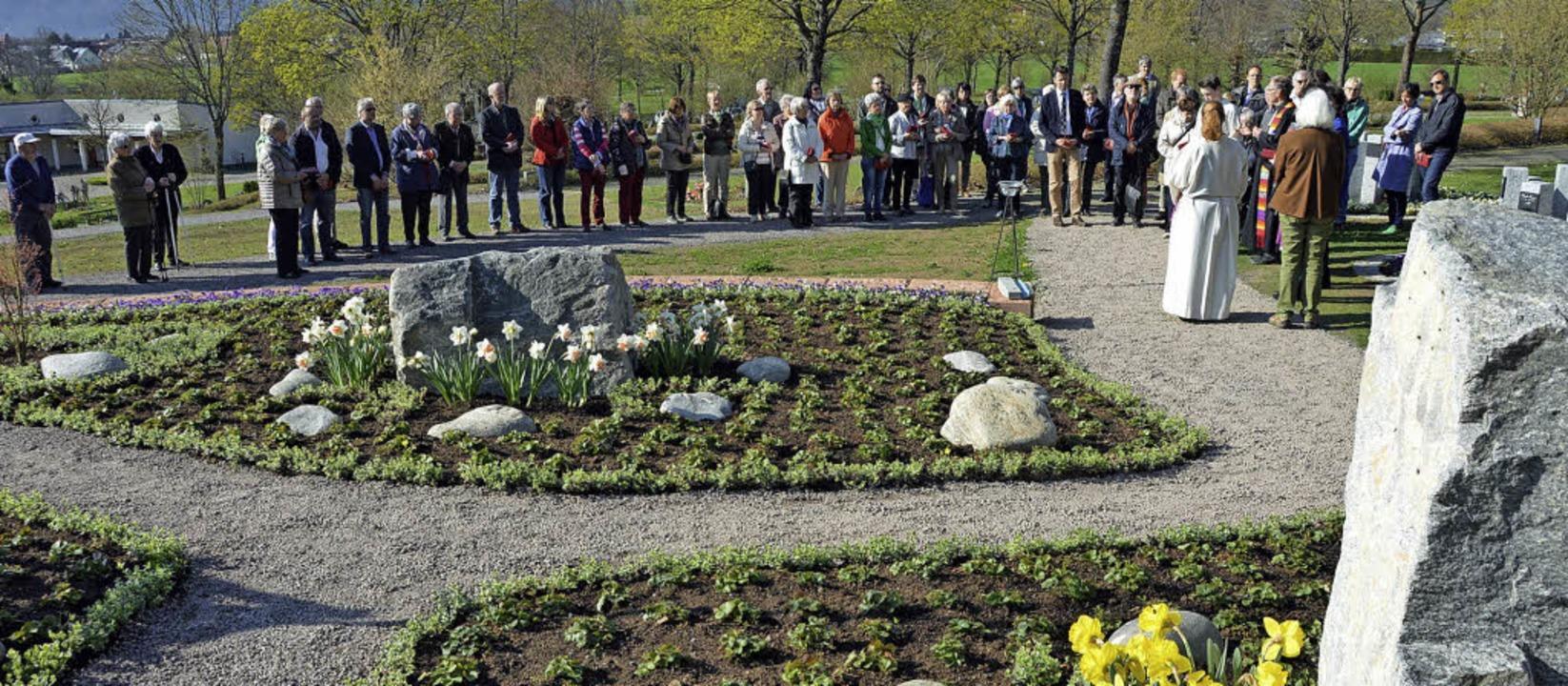 Die Beteiligung  an der Einweihung des...ersberg-Friedhof war erfreulich hoch.     Foto: Gerhard Lück
