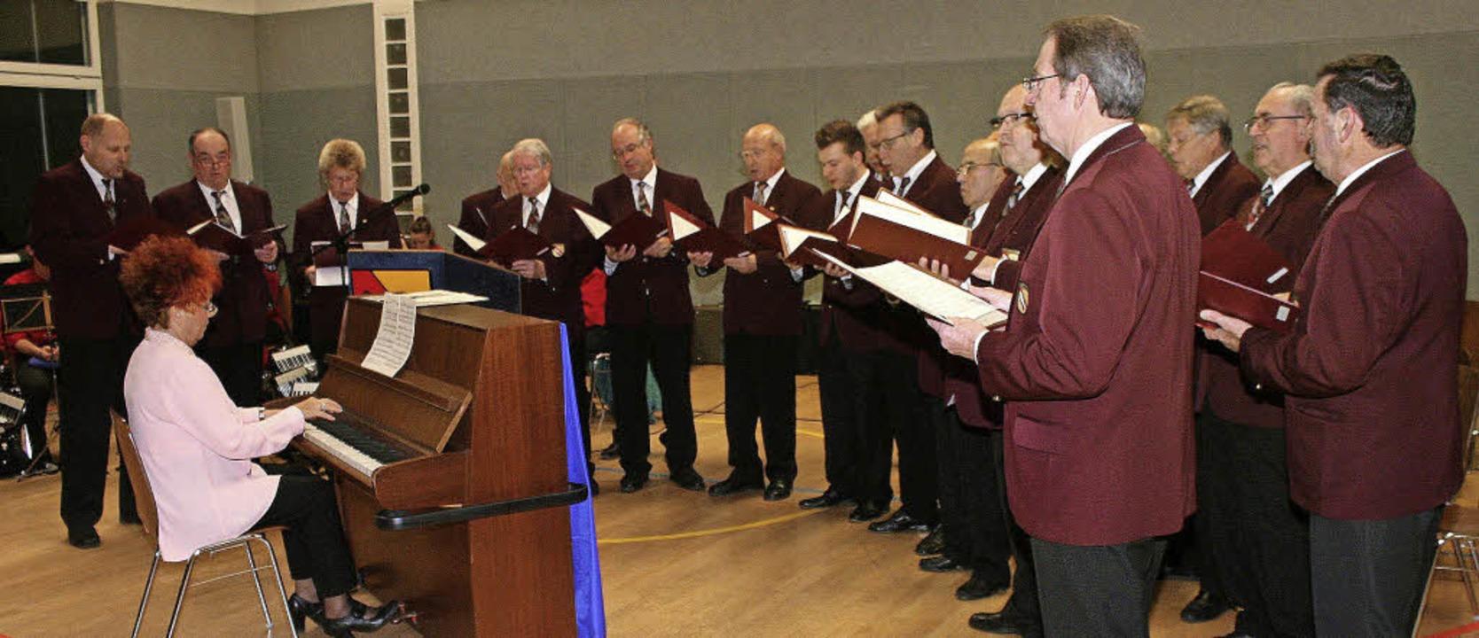 Auftritte des Männerchores, wie dieser...gehören offenbar der Vergangenheit an.    Foto: Cremer