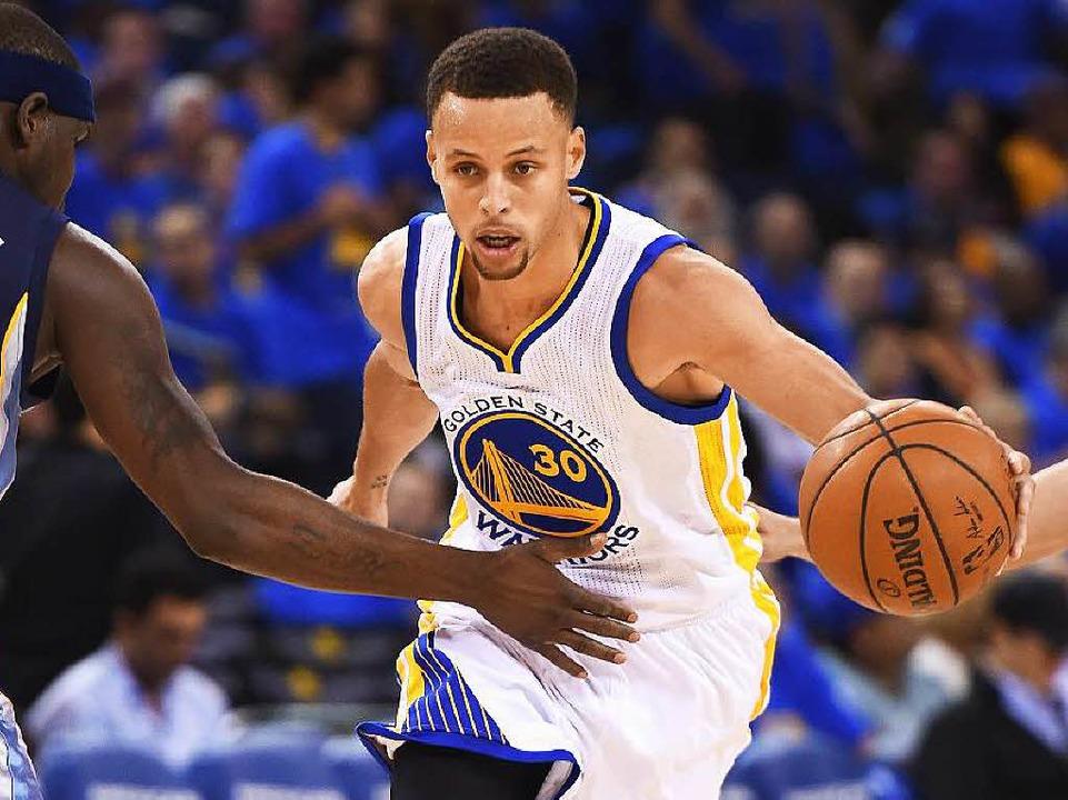 Der neue Star des nordamerikanischen B...en Curry von den Golden State Warriors  | Foto: AFP