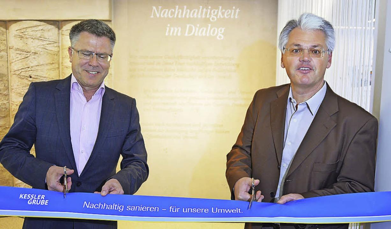 Hagen Pfundner (links) und Gesamtproje...entrum zur Sanierung der Kesslergrube.  | Foto: Ralf H. Dorweiler