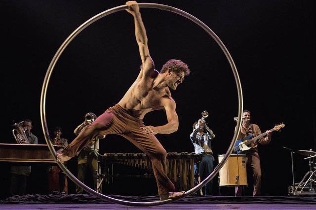 Cirque Plum mit seinem Programm