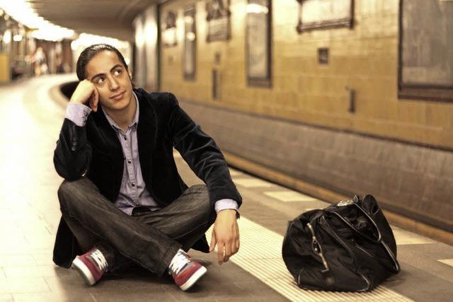 Masud Akbarzadeh kommt mit seinem ersten Soloprogramm ins E-Werk