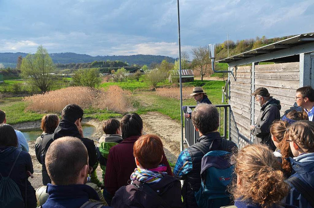 Blick vom Damm des Rückhaltebeckens Br...s kann 20000 Kubikmeter Wasser fassen.  | Foto: Manfred Frietsch