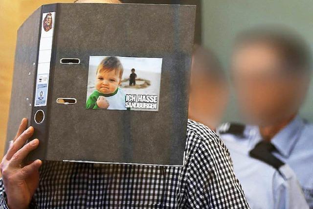 Nach Messerangriff auf Reker: Attentäter gibt rechte Kontakte zu