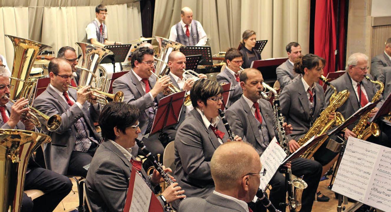 Das Jahreskonzert der Hebelmusik fand ...um mit begeistertem Applaus goutiert.   | Foto: Anja Bertsch
