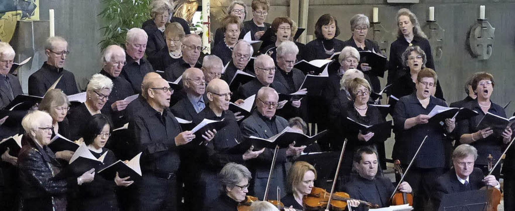 Der gemischte Chor der Denzlinger Conc...nterstützt von einem Kammerorchester.   | Foto: A. Preuss