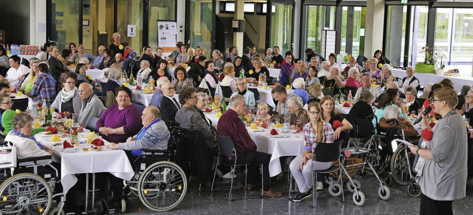 Große Feier des ASB-Seniorenzentrums in der Heimschule   | Foto: privat