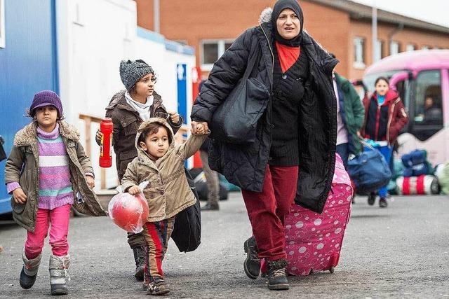 Frust für Helfer: Behindern Umzüge die Integration der Flüchtlinge?
