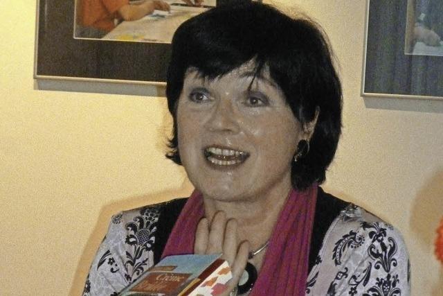 Elli Sand liest aus ihrem Roman in der Mediathek in Waldkirch