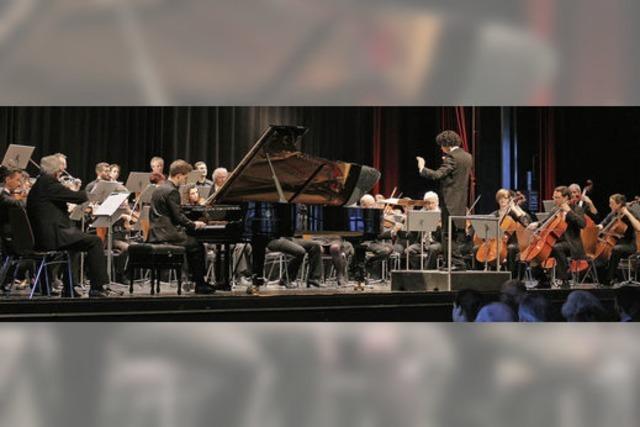 Junger Offenburger Pianist spielt Mozart