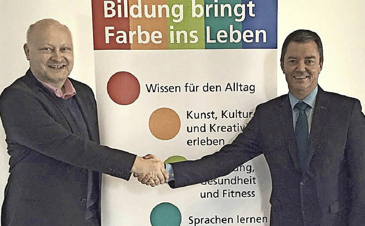 Enrico Penthin (links) gibt den Vorsit...an seinen Nachfolger Volker Kieber ab.  | Foto: Stadt Bad Krozingen