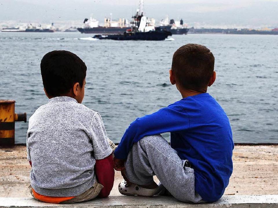 Europa ist für viele Flüchtlinge in weite Ferne gerückt.  | Foto: dpa