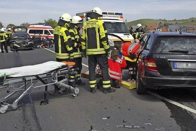 Zwei Schwerverletzte nach Frontalkollision bei Auggen