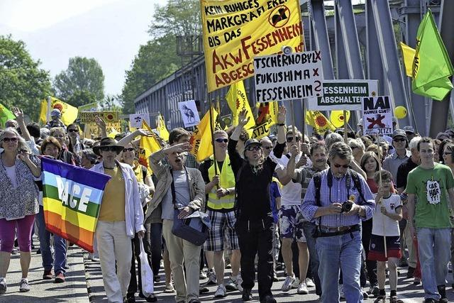 Anti-Atom-Protest auf sieben Brücken