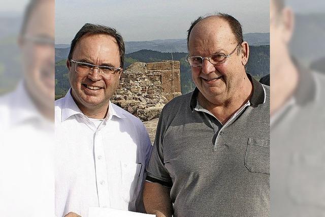Burgverein freut sich über Spende