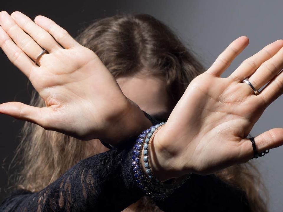Finger weg! Ein 29 Jahre alter Mann st...ein Auge auf Kinder geworfen zu haben.  | Foto: kanzefar - Fotolia