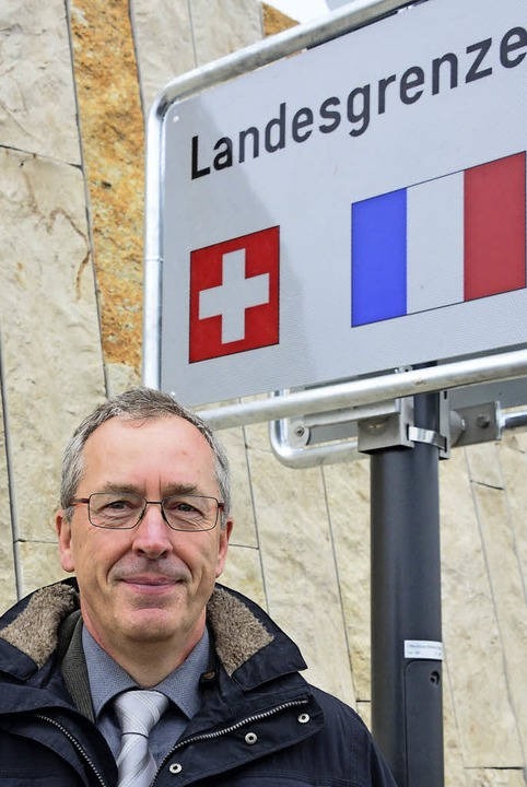 Weils erster Bürgermeister Christoph Huber bei der Eröffnung des Rheinuferwegs   | Foto: Mahro