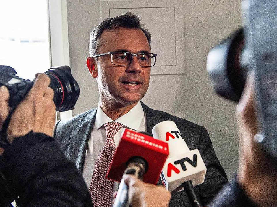 Das sanfte Gesicht der FPÖ: Das Interesse an  Norbert Hofer ist groß.  | Foto: dpa