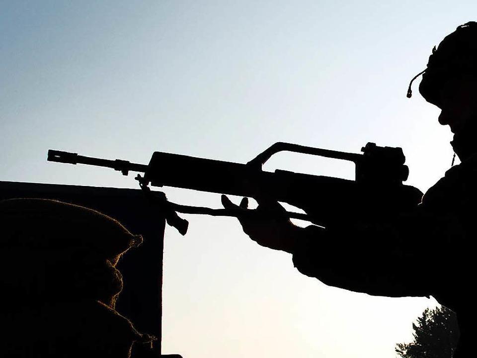 Wurden bei der Lieferung der  G36-Gewehre falsche Angaben gemacht?  | Foto: dpa