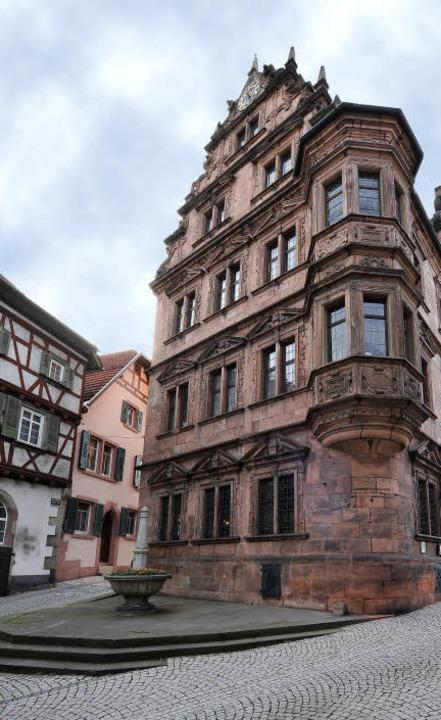Das Ziel des Ortenauer Weinpfads: das alte Rathaus von Gernsbach   | Foto: Thomas Kunz