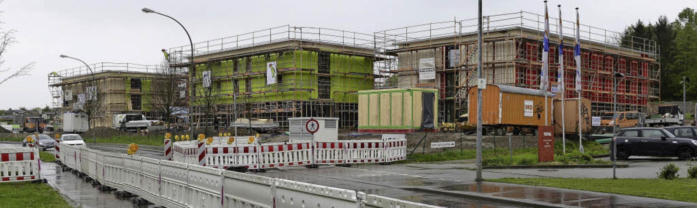 Noch im Bau: Die Flüchtlingsheime in Zähringen     Foto: ingo schneider