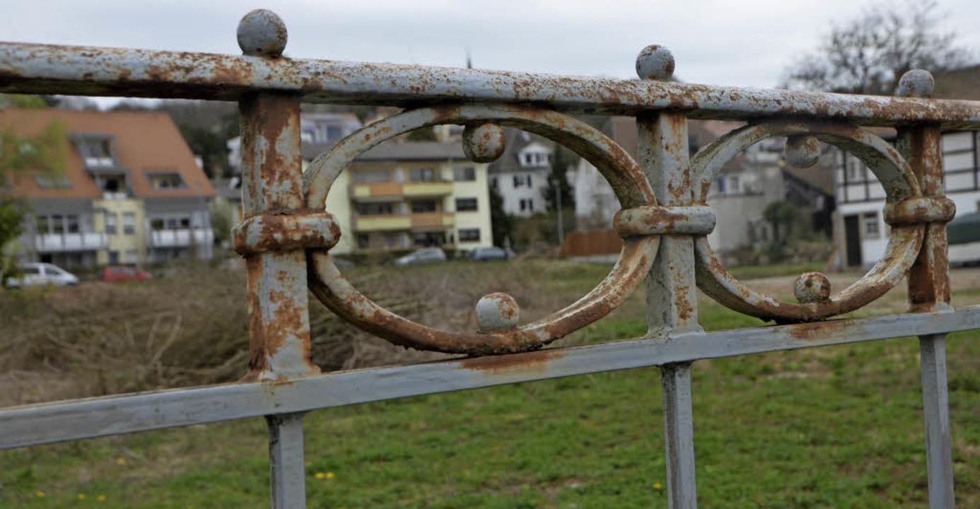 Unbebaute Flächen wie hier an der Hoch...t baulich in Zukunft entwickeln soll.   | Foto: Gerhard Walser