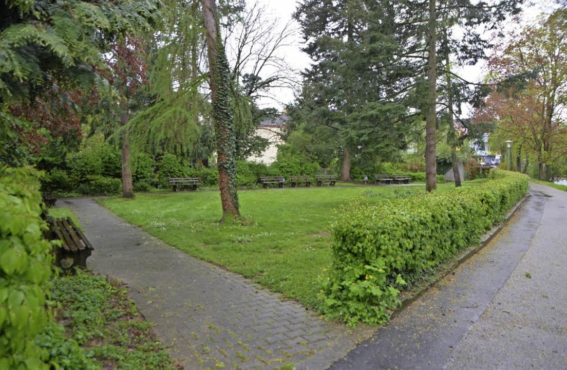 Der Schieß-Park am Badweg neben dem Ne...mit einer Tiefgarage unterbaut werden.  | Foto: Nikola vogt