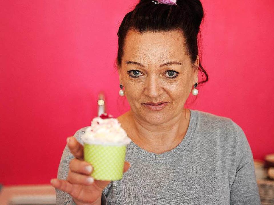 Danuela Mack mit Cupcake   | Foto: B. Schaller