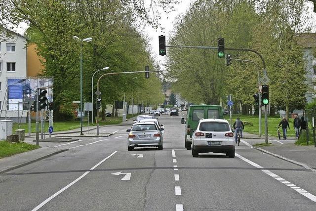 Aus der Kreuzung wird ein Kreisverkehr