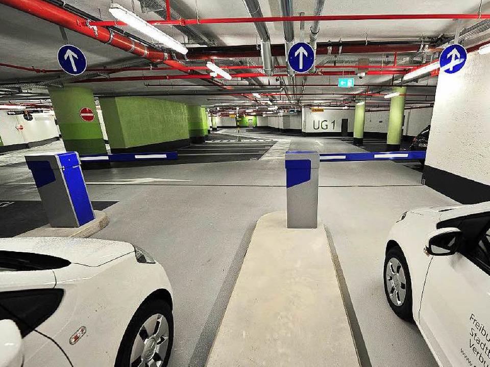 Die hier abgebildeten Parkhäuser nahmen am ADAC-Test teil: Die Rotteckgarage...  | Foto: Ingo Schneider
