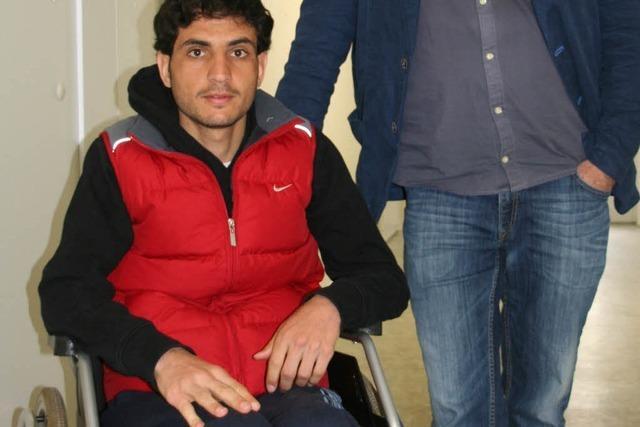 Junger Syrer ist gelähmt geflohen – Suche nach Wohnung