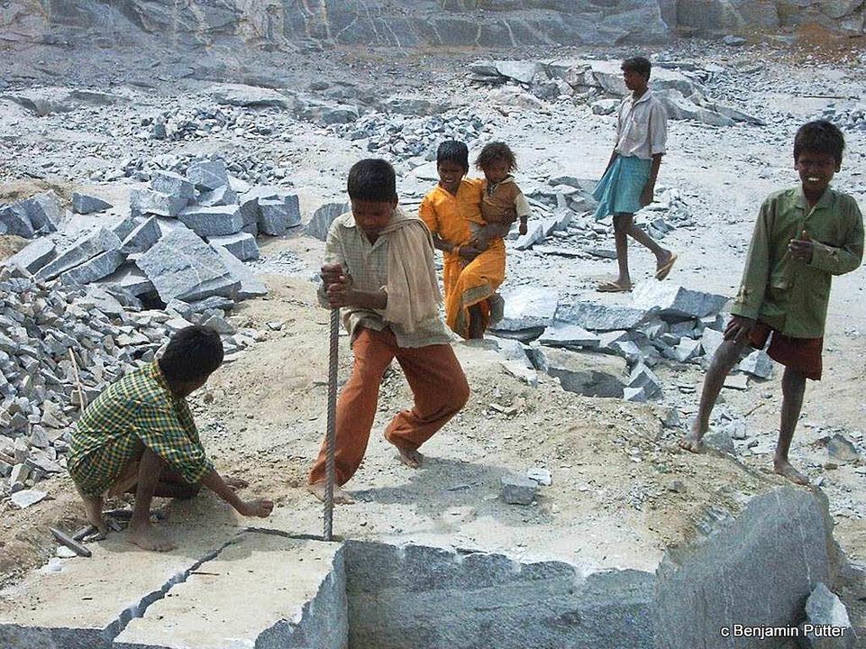 Würde den Arbeitern auf den indischen ...e Kinder nicht zum Arbeiten schicken.   | Foto: Benjamin Pütter (2)/Susanne Ehmann (3)