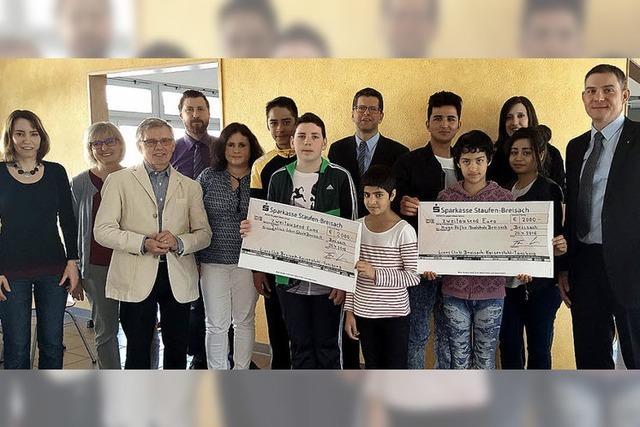 Lions Club spendet 2000 Euro für Vorbereitungsklassen