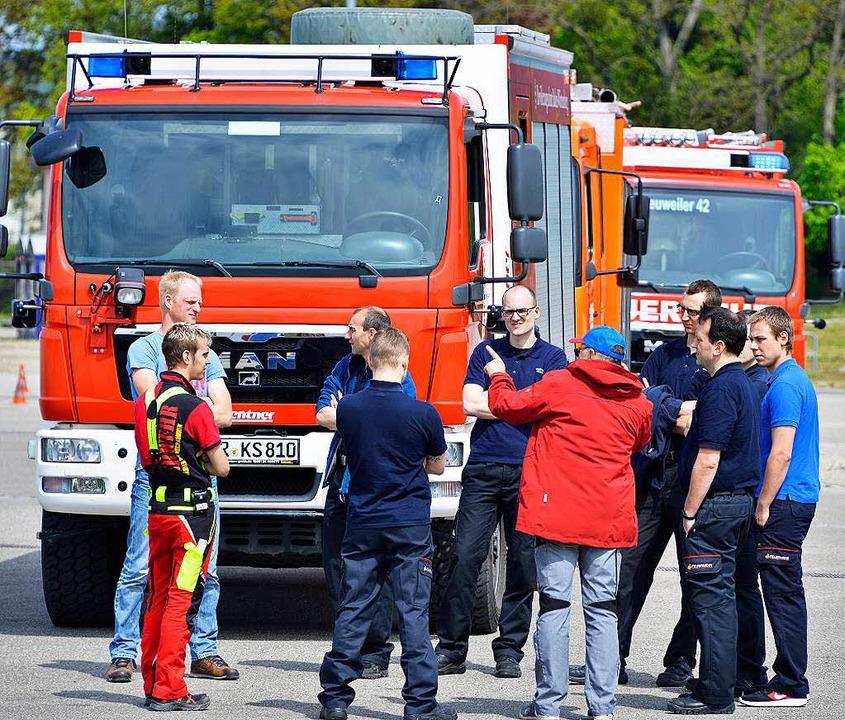 32 Feuerwehrleute aus Freiburg und 32 ...s Breisgau-Hochschwarzwald nahmen teil  | Foto: Michael Bamberger