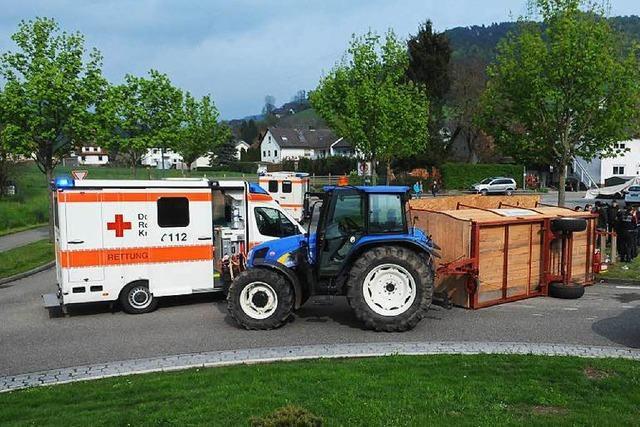 Nach Mai-Unfall mit Traktoranhänger ermittelt die Polizei