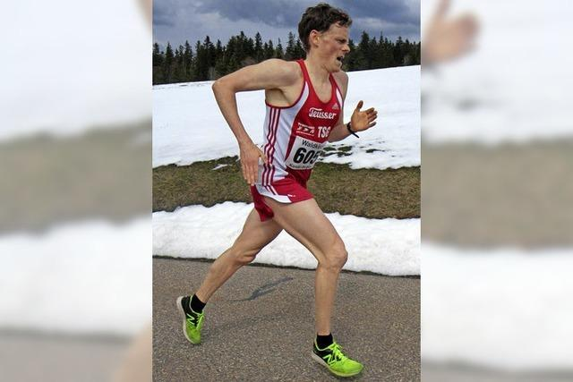 Benedikt Hoffmann gewinnt 35. Kandel-Berglauf