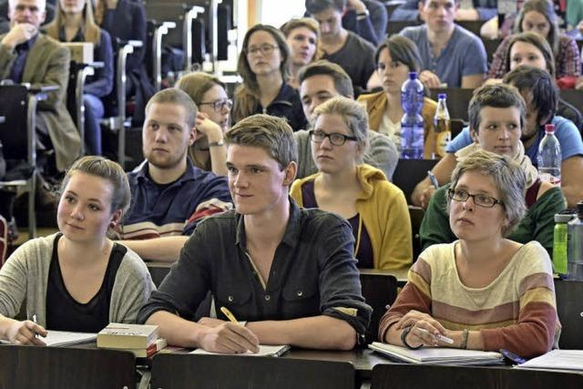 Freiburger Studenten lassen sich fit machen für die Rechtsberatung von Flüchtlingen