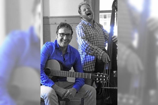 Shane Brady und Michel Estermann spielen in der Wodanhalle vor allem eigene Lieder von Brady