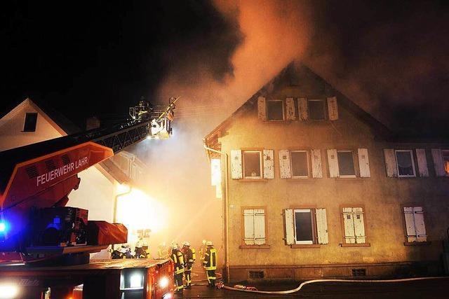 Nach Sprung aus brennendem Haus: Mann ist außer Lebensgefahr