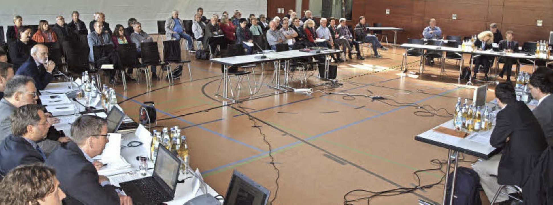 Erörterungstermin zur Elektrifizierung...102 Einwendungen lagen auf dem Tisch.   | Foto: Michael Haberer