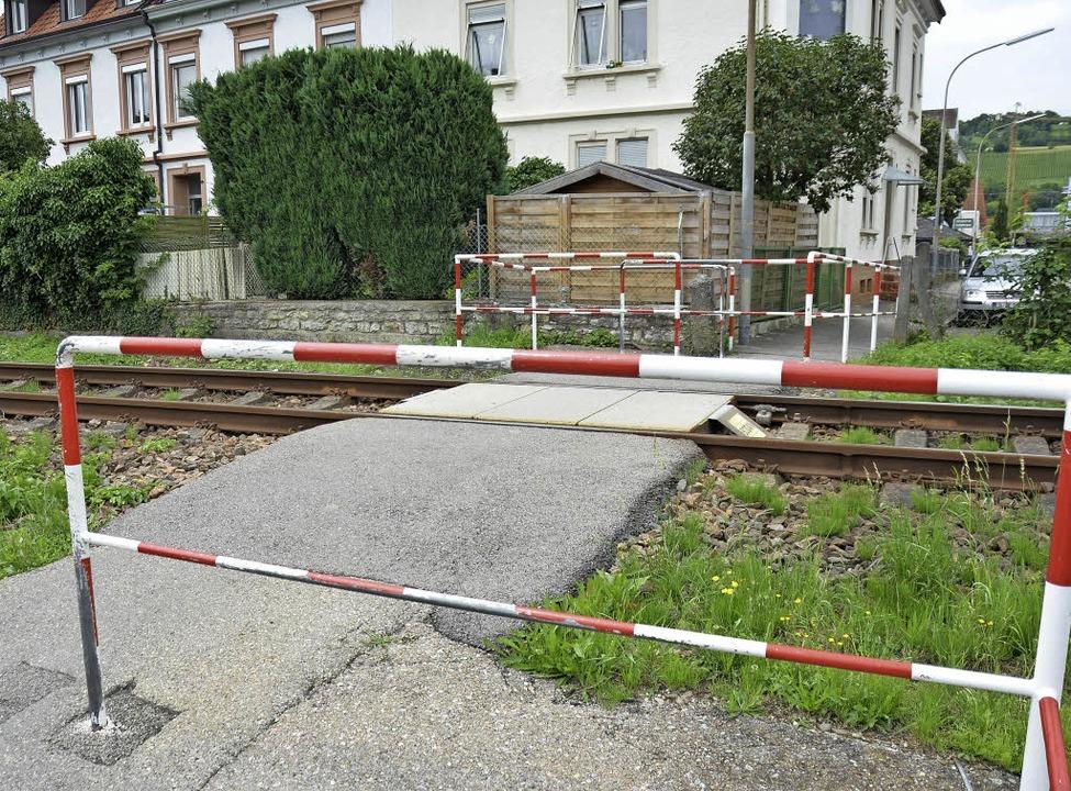 Am Zollweg, wo jetzt noch ein Fußgänge...hen. Die Klimafreunde sind skeptisch.   | Foto: Nikolaus Trenz